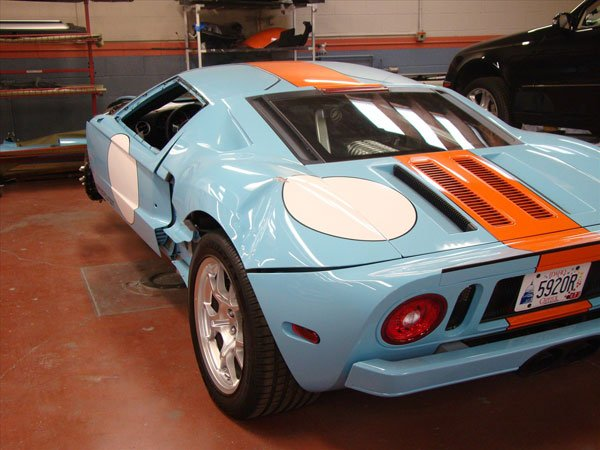 damaged ford gt